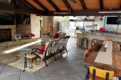 A beautiful decorative treatment was created here using the Bomanite Exposed Aggregate Antico process, providing a durable concrete hardscape while creating cozy niches that are perfect for entertainment and relaxation.